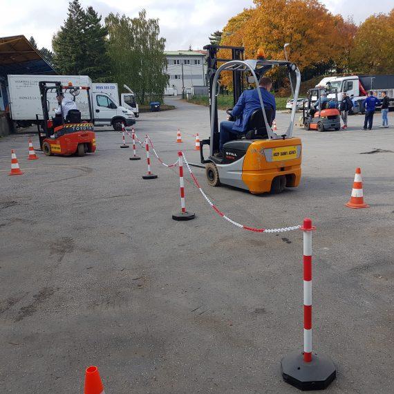Kurz na VZV (vysokozdvižné vozíky ) v najlepších cenách na Slovensku. Kurz obsahuje aj PRAKTICKÉ JAZDY s vlastnými vozíkmi ! získate EU certifikát.